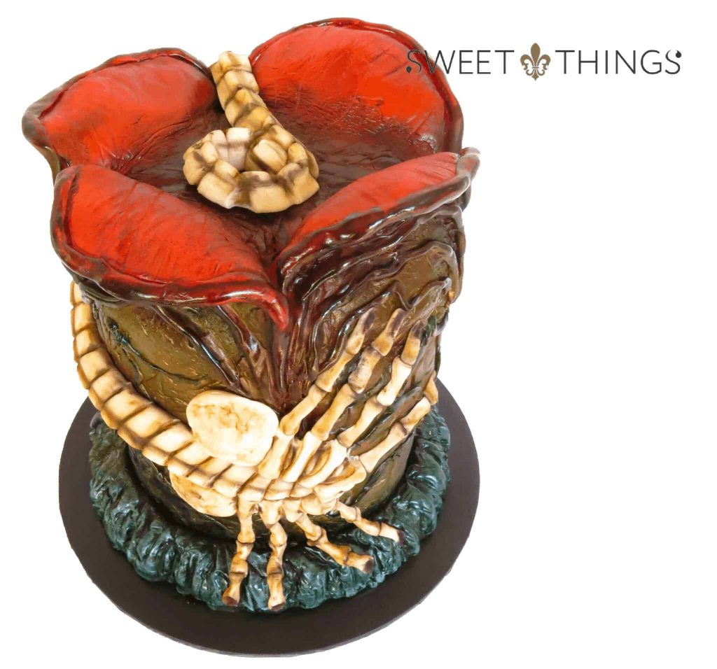 Facehugger cake top view
